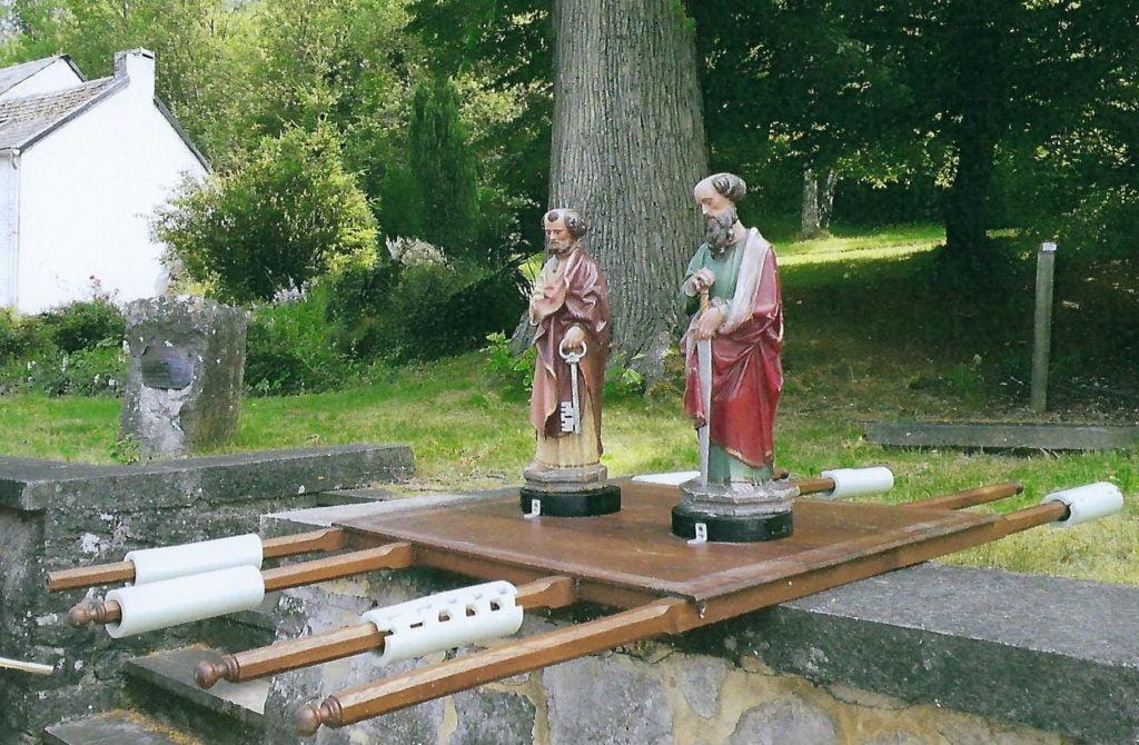 Statues processionnées