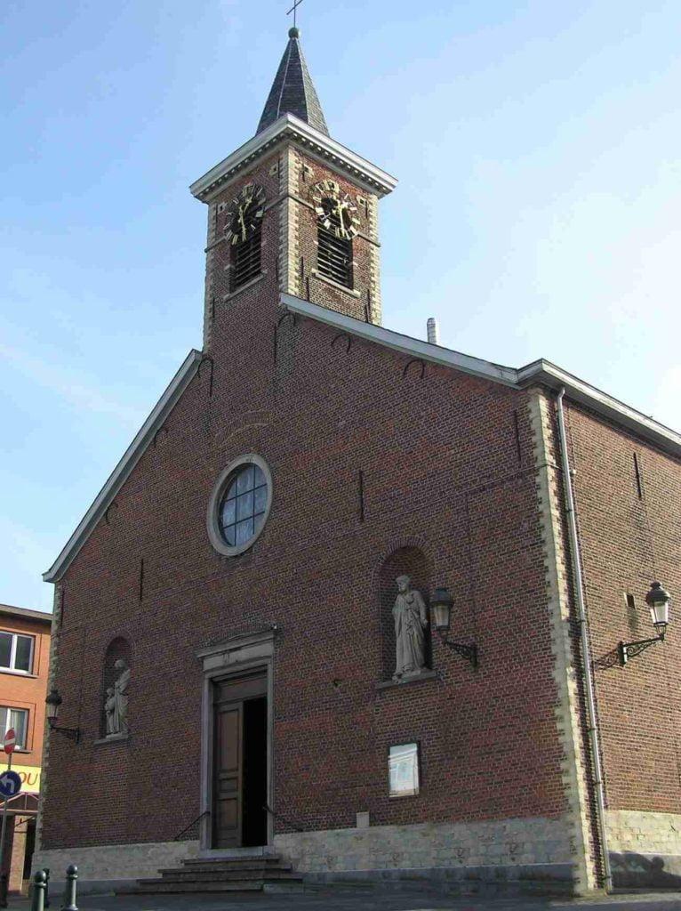 Façade église sainte-anne auderghem