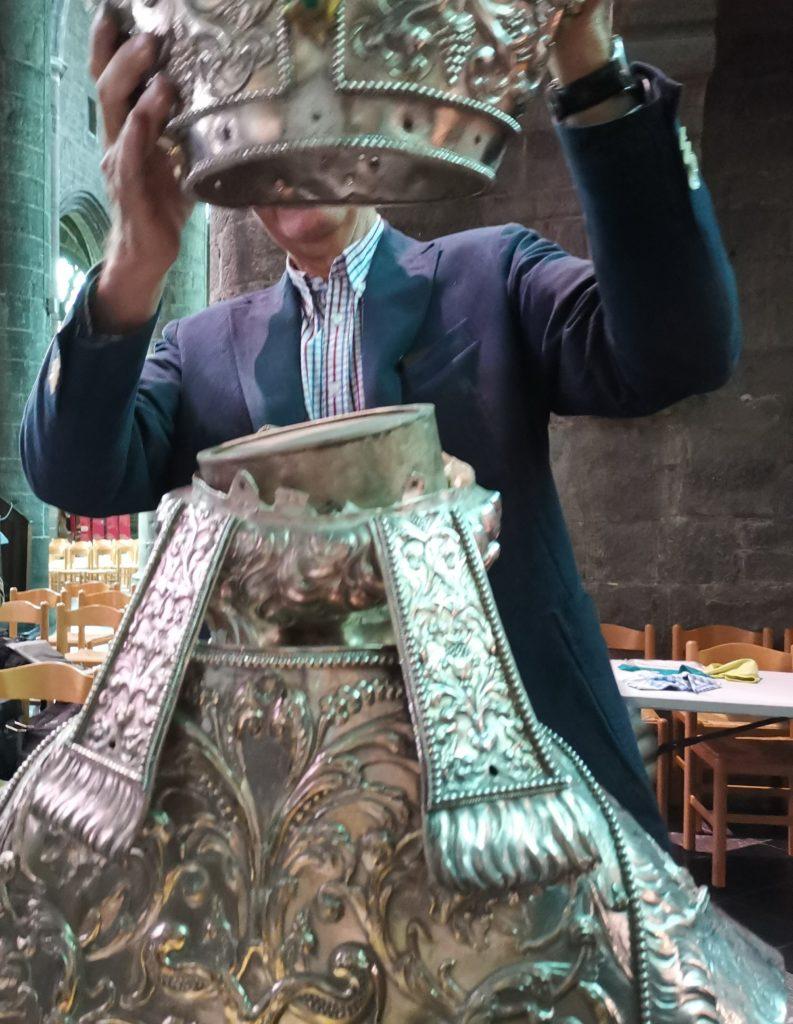 Ouverture du buste reliquaire
