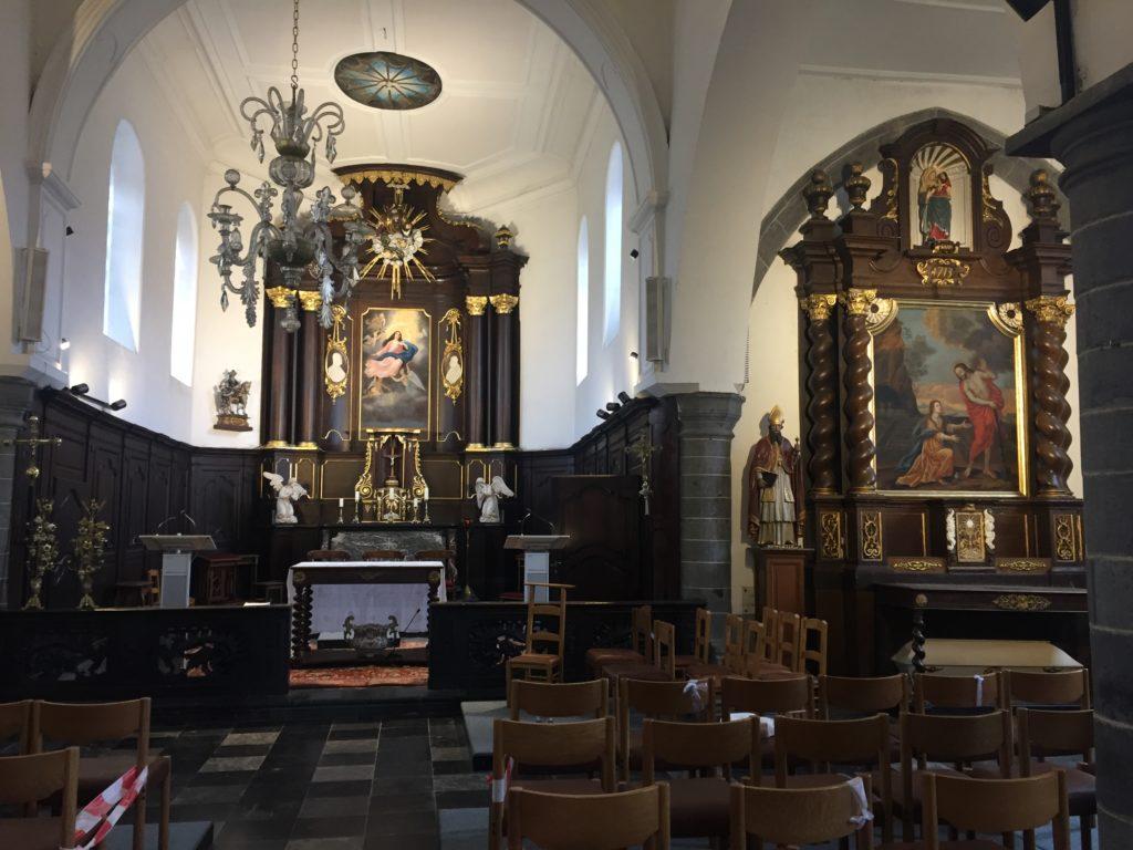 Mobilier religieux. Vue des autels.
