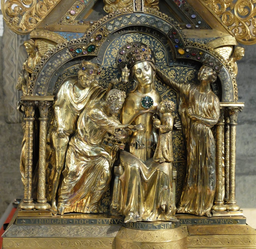 Détail du pignon de la châsse de Notre-Dame de Tournai