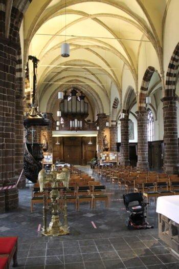 Les églises sinistrées en Brabant wallon et la question du patrimoine en bois
