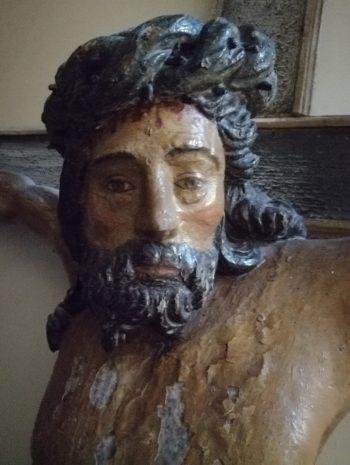 Quelques aménagements liturgiques à la Collégiale Saint-Pierre (Leuze-en-Hainaut)