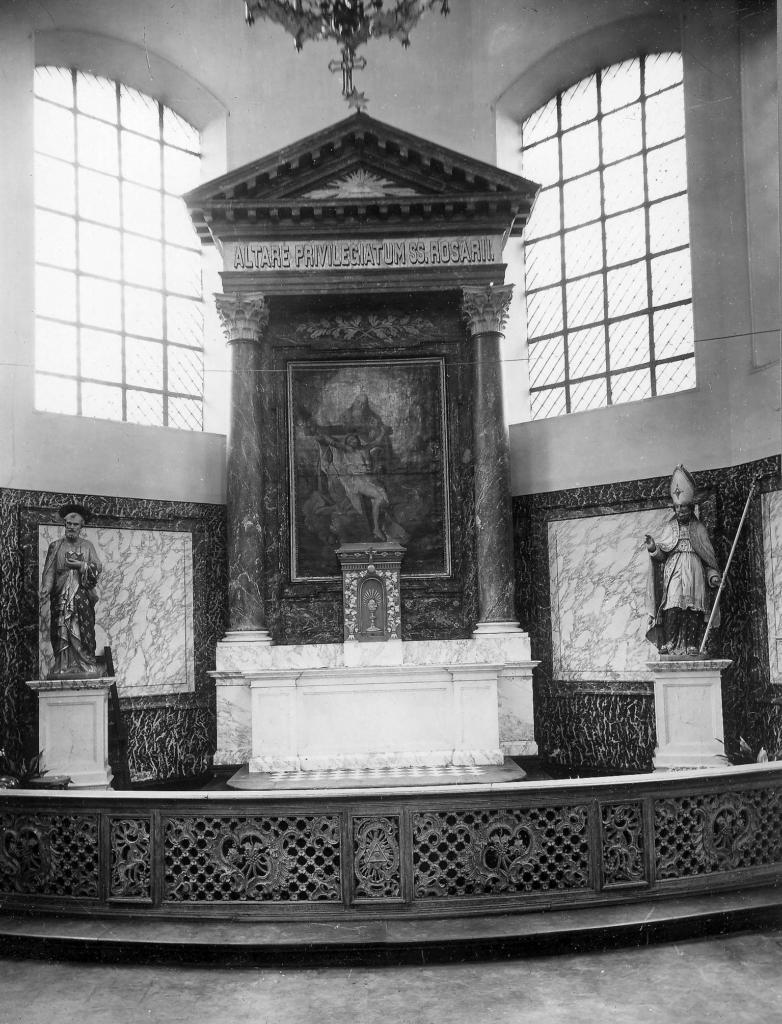 L'abside du transept nord, à droite de l'Autel