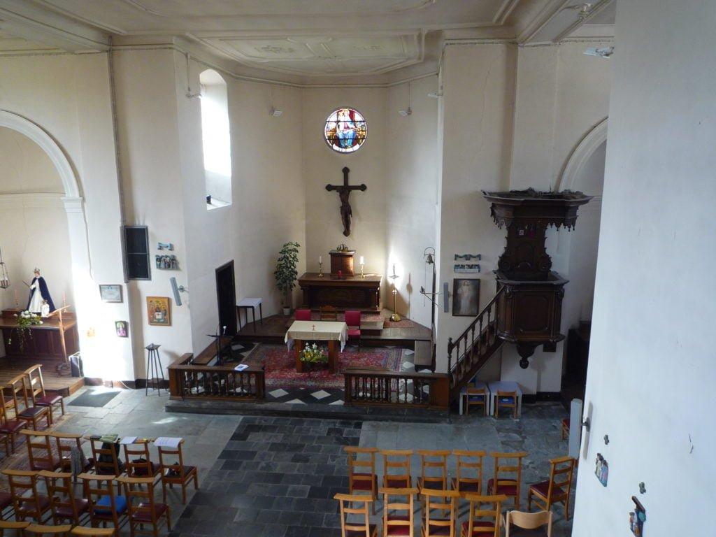 Chapelle-Saint-Lambert à Lasnes. Vue intérieure. Photo de l'auteur.